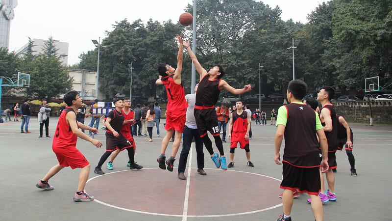 机械研究生支部篮球联赛第二赛程火热举行